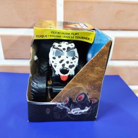 Đồ chơi Chiến xe chó đốm Monster Jam Click&Flip ấn bật và nhào lộn tỷ lệ 1:43 - Mutt Dalmatian