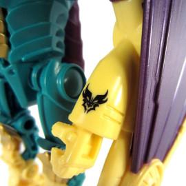 Đồ chơi Transformer - Robot biến hình Beast Hunters Windrazor Predacon (Box)