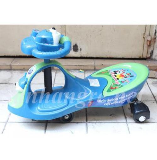 xe lắc loại nhỏ cho bé từ 2 đến 4 tuổi