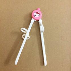 Đũa tập ăn cho bé Hello Kitty TM12025 xuất Nhật