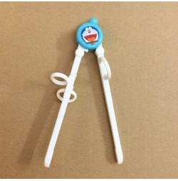 Đũa tập ăn cho bé Mèo máy Doraemon TM12025 xuất Nhật