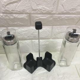 Bộ 2 hũ thủy tinh đựng dầu ăn kèm khay Lock&lock LLG701