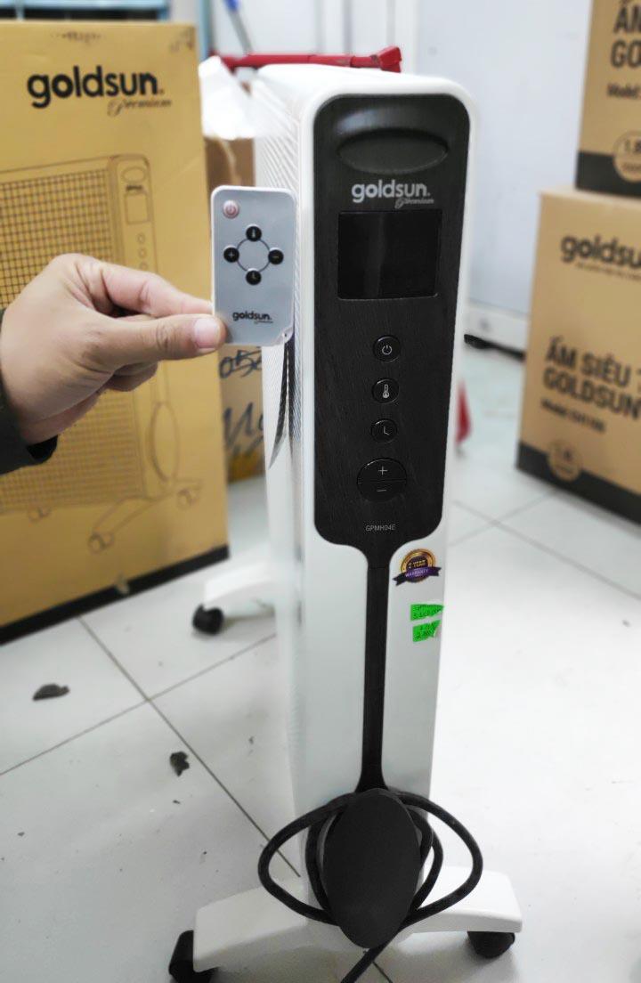 Máy sưởi điện tử màn hình LED Mica Goldsun Premium GPMH04E 2200W điều khiển từ xa