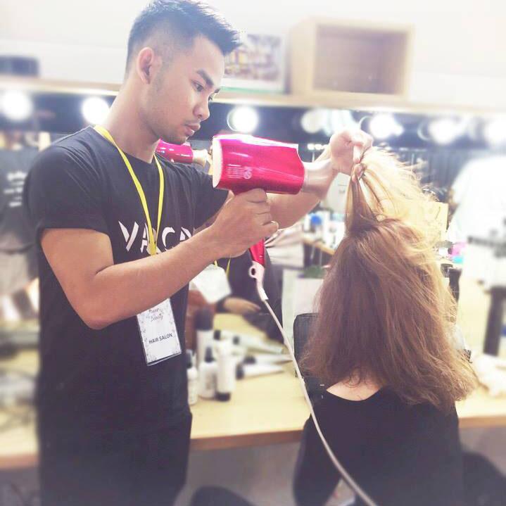 Máy sấy tóc dưỡng ẩm Nanoe Panasonic Thái Lan 1600W EH-NA45RP645
