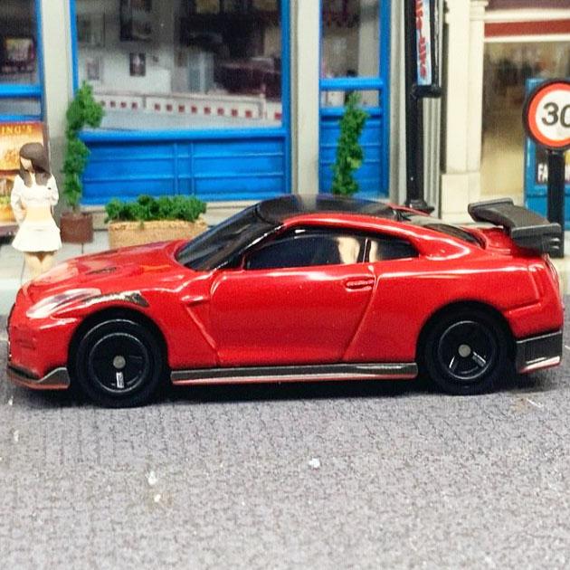Xe ô tô mô hình Tomica Nissan GT-R Nismo R35 tỷ lệ 1/65 (No Box)