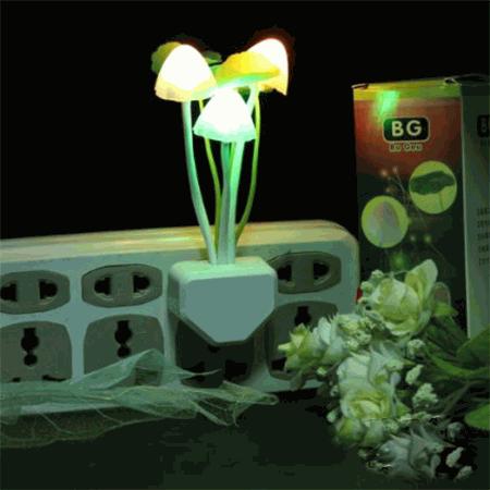 Đèn LED ngủ nấm cảm ứng ánh sáng OML