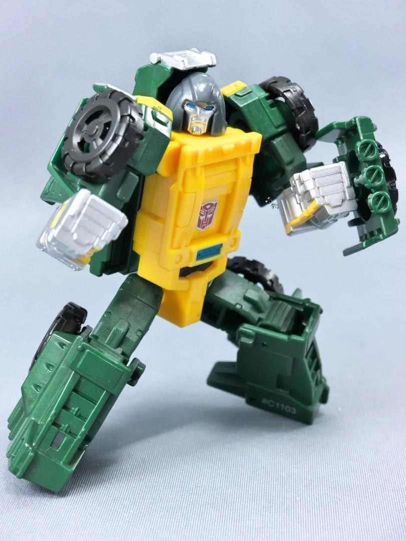 Robot Transformers biến hình ô tô chiến đấu Brawn
