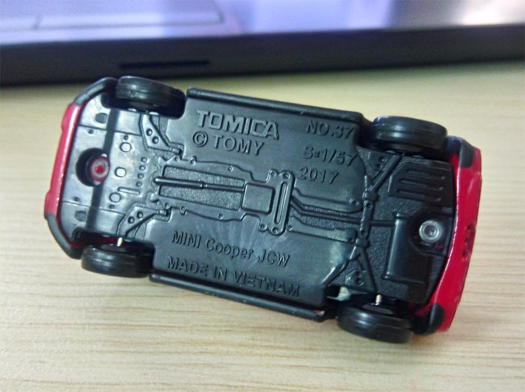 Xe mui trần mô hình Tomica Mini Cooper JCW 2017
