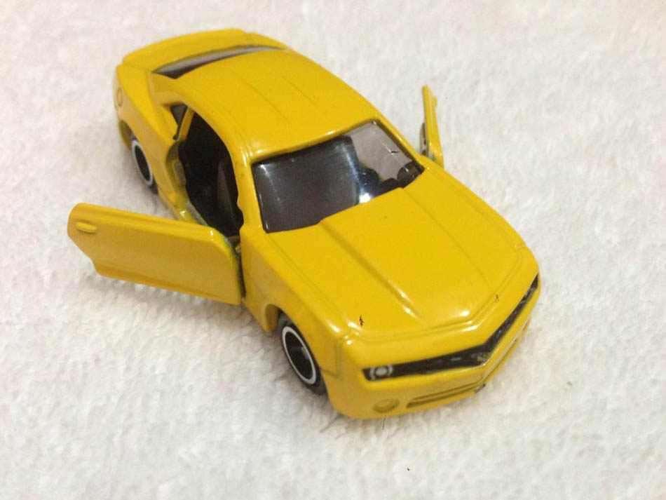 Xe ô tô mô hình Tomica Chevrolet Camaro