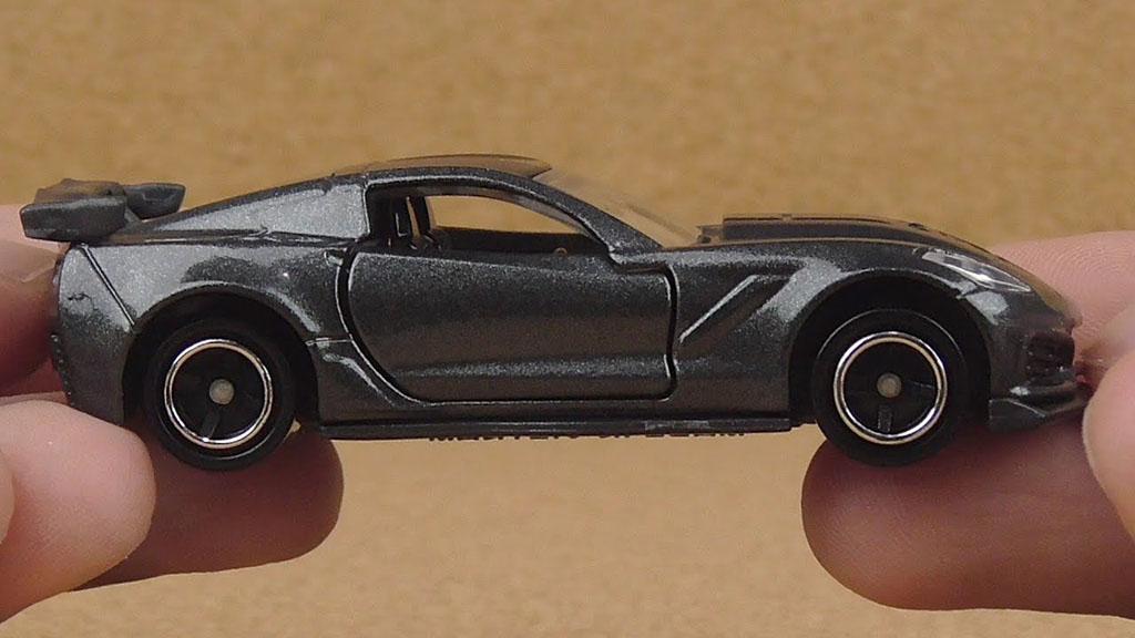 Xe ô tô mô hình Tomica Chevrolet Corvette ZR1