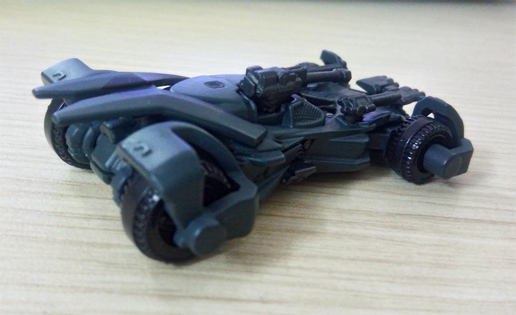 Xe mô hình Tomica Limited Dream Batman Justice League No 151