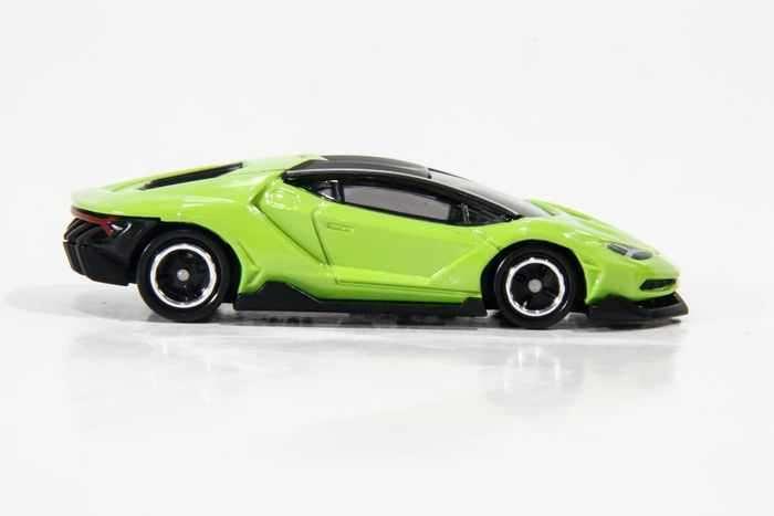Siêu xe ô tô mô hình Tomica Lamborghini Centenario