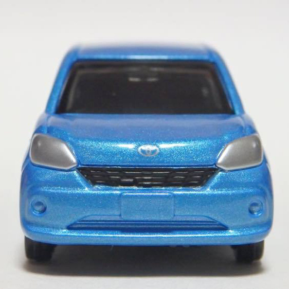Xe ô tô mô hình Tomica Toyota Passo