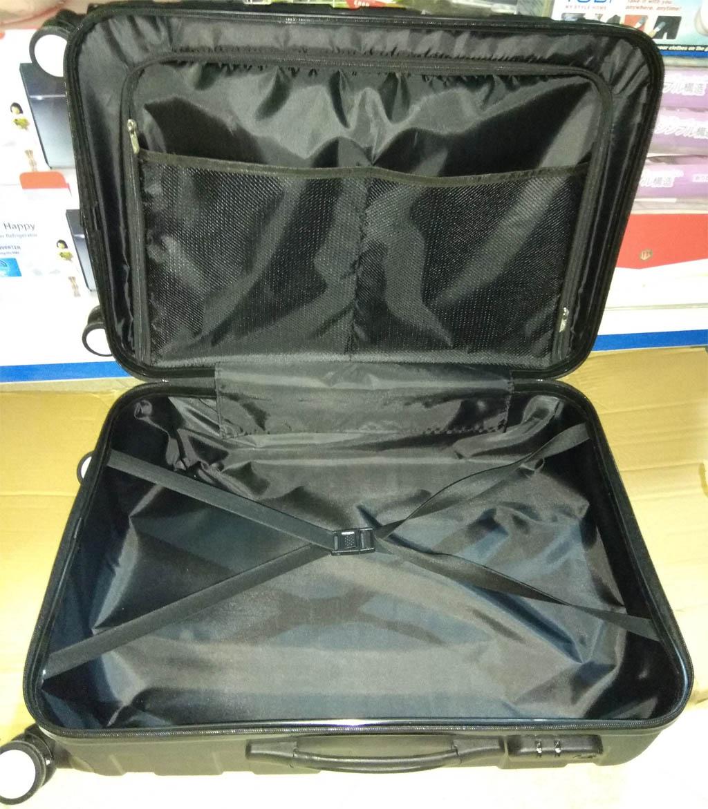 Vali kéo du lịch có khóa số 24 inch Nutifood (Đen)