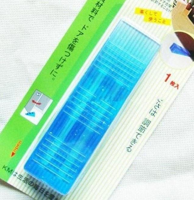 Dụng cụ kẹp chặn chân cánh cửa KM-009 hàng Nhật