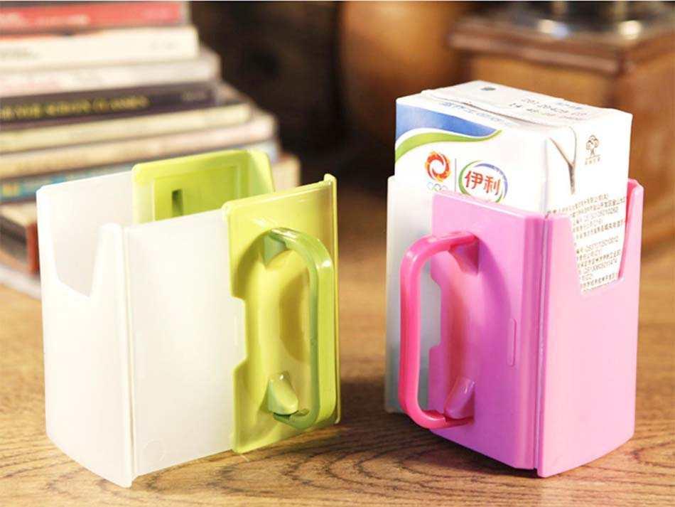 Giá để hộp sữa cầm tay cho bé Inomata hàng Nhật