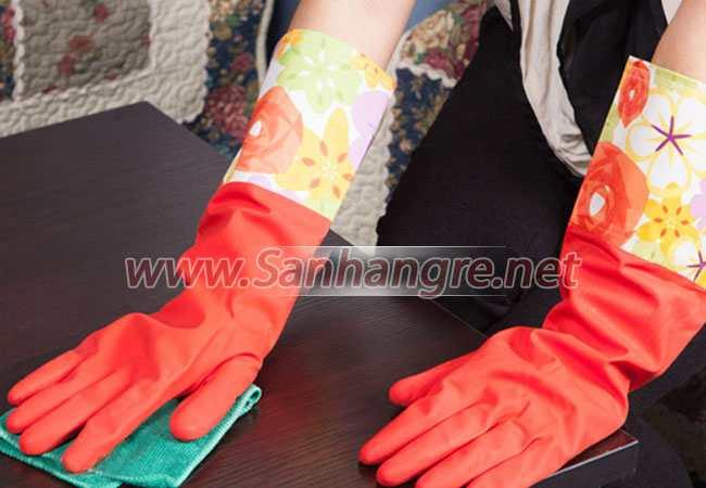 Găng tay cao su lót nỉ tiện dụng và ấm áp