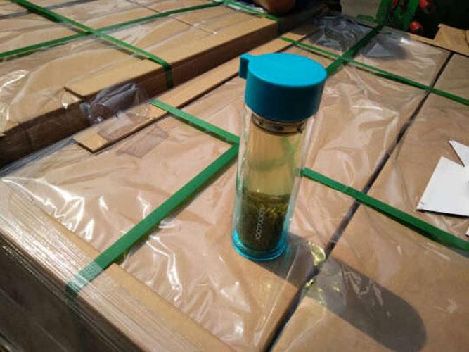 Bình nước thủy tinh 2 lớp chống nóng tay Lock&lock Crystal LLG653 350ml