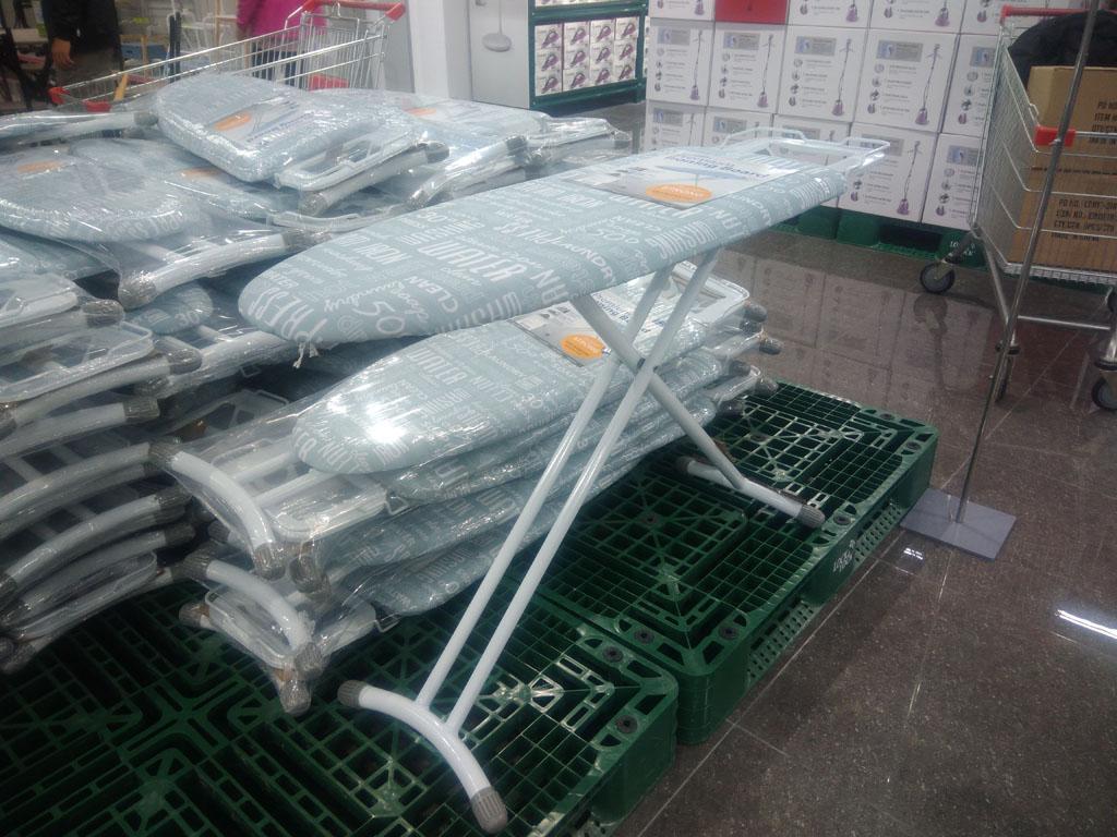 Cầu là chân cao Premium Ironing Lock&Lock F00141