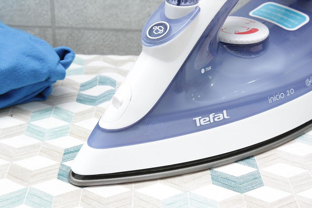 Bàn là hơi nước Tefal FV1220 1800W - Hàng chính hãng