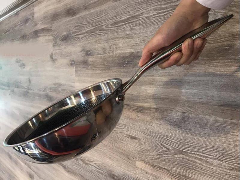 Chảo chống dính sâu lòng Inox 304 đường kính 28cm J&K Blackcube nhập khẩu dùng bếp từ, bảo hành 2 năm