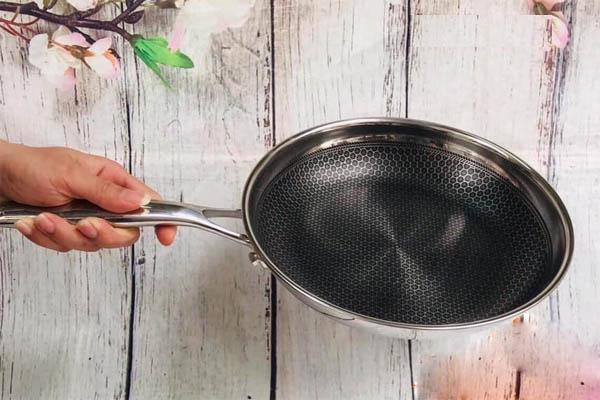 Chảo chống dính Inox 304 đường kính 20cm J&K Blackcube Hàn Quốc dùng bếp từ, bảo hàng 2 năm