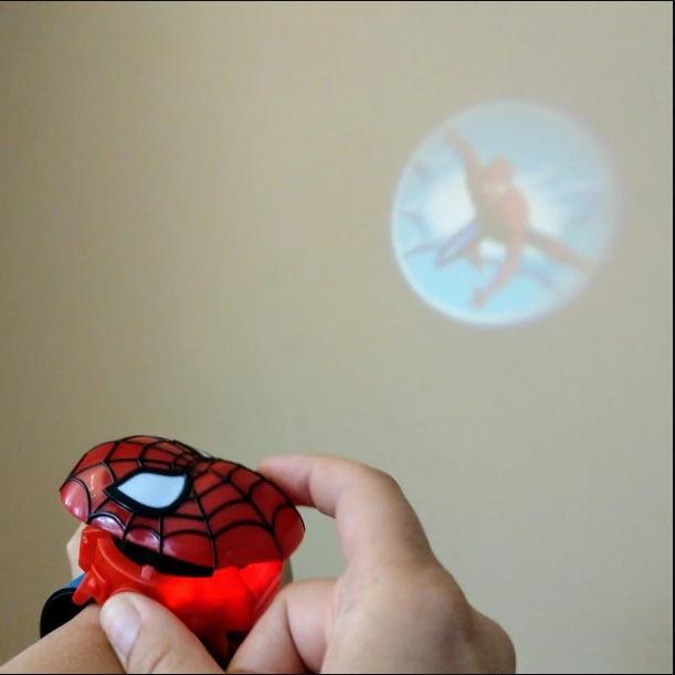 Đồng hồ điện tử chiếu 24 hình 3D Projector Watch Avengers