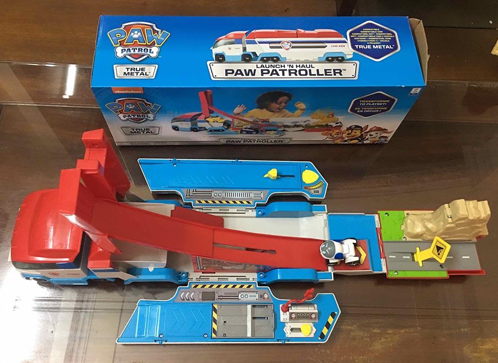 Xe chờ Mô hình cứu hộ Paw Patroller True Metal kèm xe chó Robodog